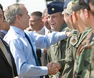 George W Bush Jr et les avaiateurs de Minot